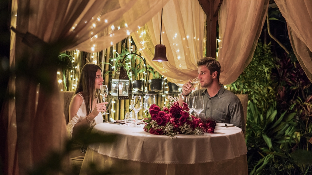 Enjoy Bali Most Exquisite Romantic Dinner Experience With Us Mozaic